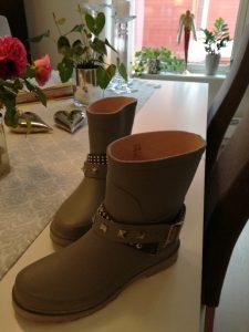 Cream gummistøvler grå